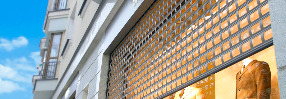 Shop Front CetraVision 900 Security Roller Shutter